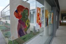 2 in 1 - und umgekehrt - Portraitzeichnungen von Studentinnen der Uni Passau